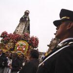 Santa Rosa de Lima: Martín Vizcarra saluda a policías y enfermeros por su día