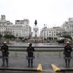 Huelga de maestros: Profesores ya no pueden entrar a la plaza San Martín (FOTOS)