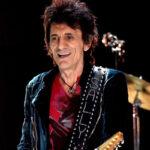 Rolling Stone Ronnie Wood fue operado de un cáncer al pulmón y se recupera (VIDEO)
