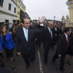 Fernando Zavala y su Gabinete llegaron al Congreso caminando