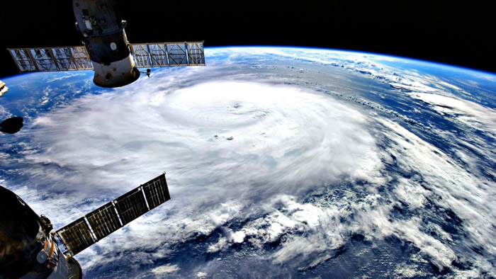 Irma atraviesa Barbuda y pasará previsiblemente el viernes entre Bahamas y Cuba