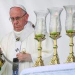 Colombia: Papa pide a católicos un estilo de vida sin violencia y de paz