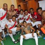 Así celebraron los jugadores en camarines la victoria ante Ecuador (Fotos)