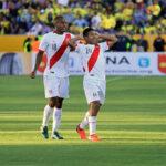 """El """"Orejas"""" Flores se disfraza de Guerrero para acercar a Perú al Mundial"""