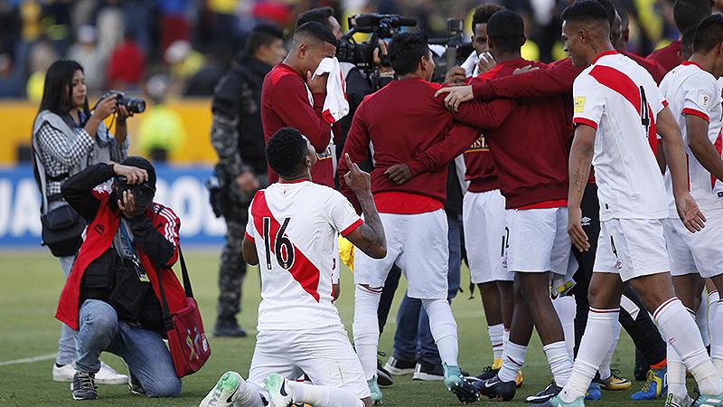 Perú de la agonía a punto de sacar visa para Rusia — Fútbol