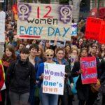 Decenas de miles de personas piden en Irlanda cambios en ley del aborto