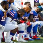 Jugadores de la NFL protestan contra los comentarios ofensivos deTrump (VIDEO)