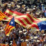 España: Juez cierra web de referéndum y presidente catalán brinda su cuenta