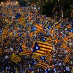 Cataluña acelera proceso unilateral para separarse de España