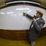 Centro Cultural Francisco Antonio: Escritor Cromwell Jara Jiménez ofreció conferencia