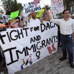 California impugna orden de Trump de acabar el programa DACA en seis meses