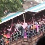 India: Estampida en puente peatonal causa 22 muertes y 32 personas heridas