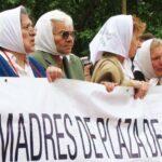 Madres de Plaza de Mayo denuncian represión tras marcha por desaparecido