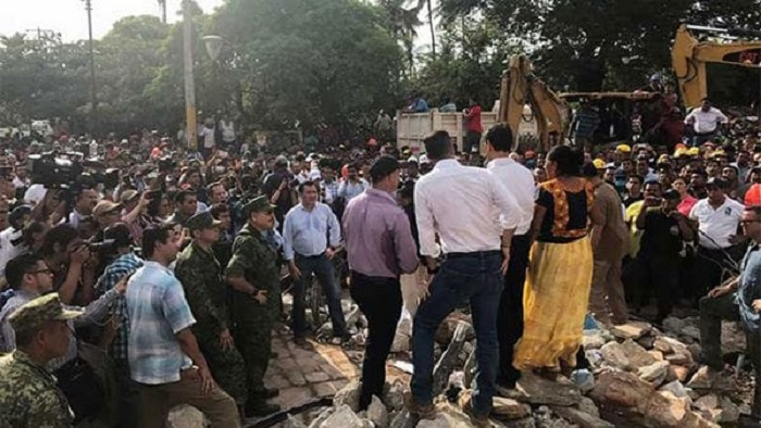 Encabeza Peña Nieto ceremonia luctuosa por terremoto de 1985