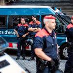 España cierra colegios electorales para bloquear referendo en Cataluña