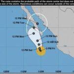 Norma se convierte en huracán en su avance hacia península de Baja California