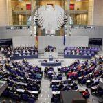 Conservadores alemanes lideran sondeos a dos días elecciones y AfD es tercera