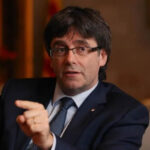 España: Puigdemont evalúa anticipar elecciones para frenar una intervención (VIDEO)
