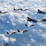 Bombarderos y cazas de EEUU vuelan cerca de la costa de Corea del Norte