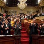 Parlamento catalán aprueba la ley para amparar referéndum de independencia
