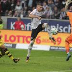 Bundesliga: Eintracht Fráncfort remonta dos goles al Borussia Dortmund (2-2)