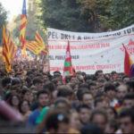 España: Miles de estudiantes catalanes marchan exigiendo laindependencia (VIDEO)