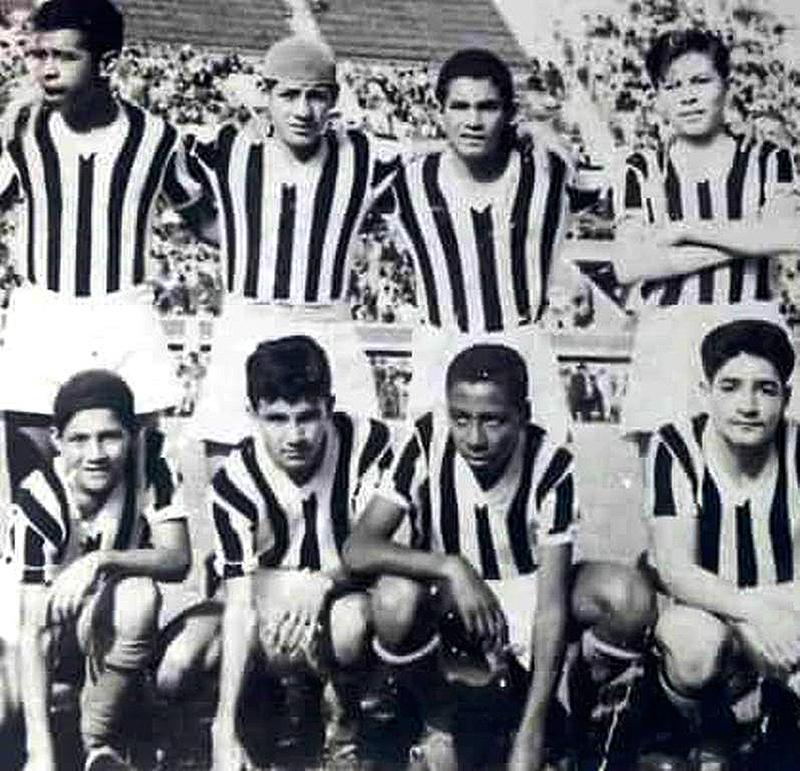 Falleció exjugador de la selección peruana y Barcelona