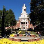 Catorce mujeres demandan a universidad de Texas por ignorar abusos sexuales