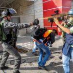 Periodistas extranjeros en Israel denuncian registro con desnudo de fotógrafo
