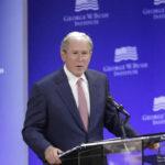 Bush: Tentación aislacionista política y económica se apodera de EEUU (VIDEO)