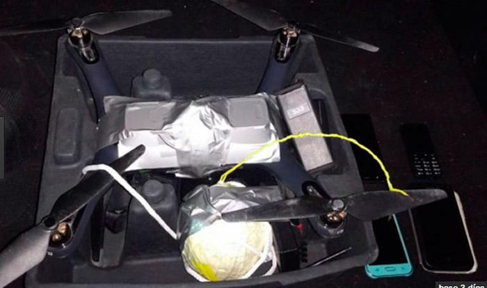 Detienen a hombres con dron equipado con bomba