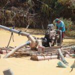 Viceministro colombiano dice minería ilegal genera más ingresos que drogas