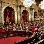 Parlamento catalán convoca pleno este lunes para recibir a Puigdemont