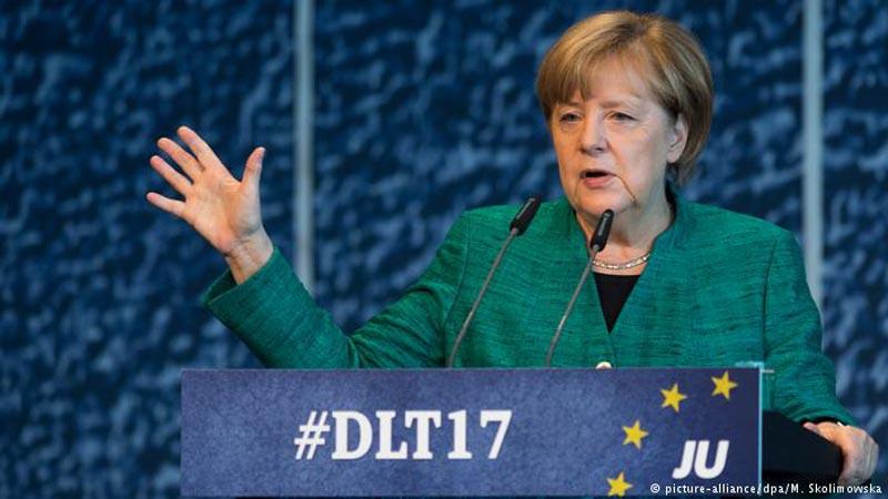 Merkel limó diferencias en sus filas y empezará a negociar nuevo gobierno