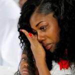 La viuda del soldado muerto en Níger reitera: Trump me hizo llorar (VIDEO)