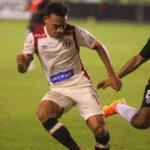 Universitario en intenso partido vence 5-3 a Municipal por la fecha 5 del Clausura