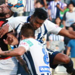 Alianza Lima gana 2-0 a Comerciantes Unidos y se corona campeón nacional