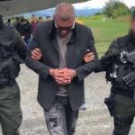"""Colombia: Capturan a temible sicario """"Avestruz""""  asesino de 100 personas (VIDEO)"""