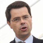 Londres pide a partidos un acuerdo para evitar intervención de la autonomía norirlandesa