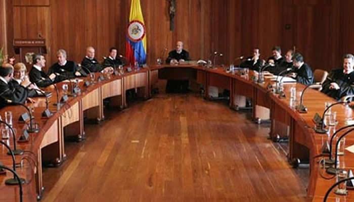 FARC denuncia que Corte Constitucional quebranta justicia de paz
