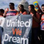 Trump y republicanos acuerdan abordar tema de los soñadores el próximo año