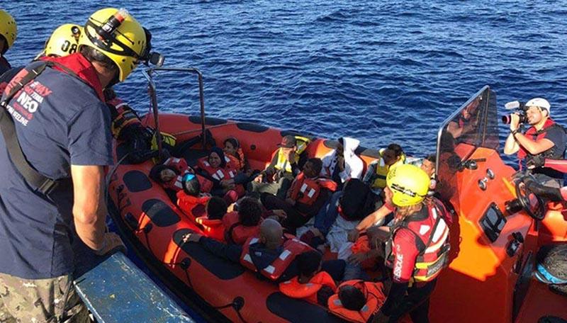 Hallan más de 30 cadáveres de migrantes en costa libia