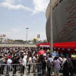Perú vs. Nueva Zelanda: Miles de hinchas recogen sus entradas (FOTOS)
