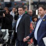 España: Jueza envía a prisión al exvicepresidente catalán y 7 ex consejeros (VIDEO)