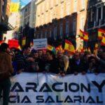 Miles de policías españoles se manifiestan para reclamar igualdad salarial