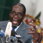 Zimbabue: Mugabe con arresto domiciliario tras 37 años de poder (VIDEO)