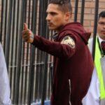 Paolo Guerrero llegó a Lima sin declarar a la prensa (VIDEO)