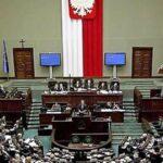 Parlamento polaco aprueba ley para restringir apertura de comercios en domingo