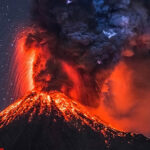 Bali: Alerta roja y evacuación de 100 mil personas por erupciónde volcán (VIDEO)