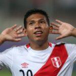 Edison Flores tiene un acercamiento con el Ajax de Holanda
